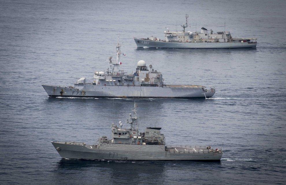 http--www.ema.defense.gouv.fr-mediadev-autres-1479996156-on-corymbe-pour-la-fregate-de-surveillance-ventose-2016mbst345-005-012